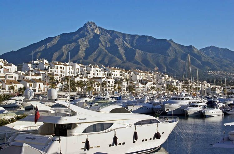 Marbella ends the summer 2013 with an important increase in tourism