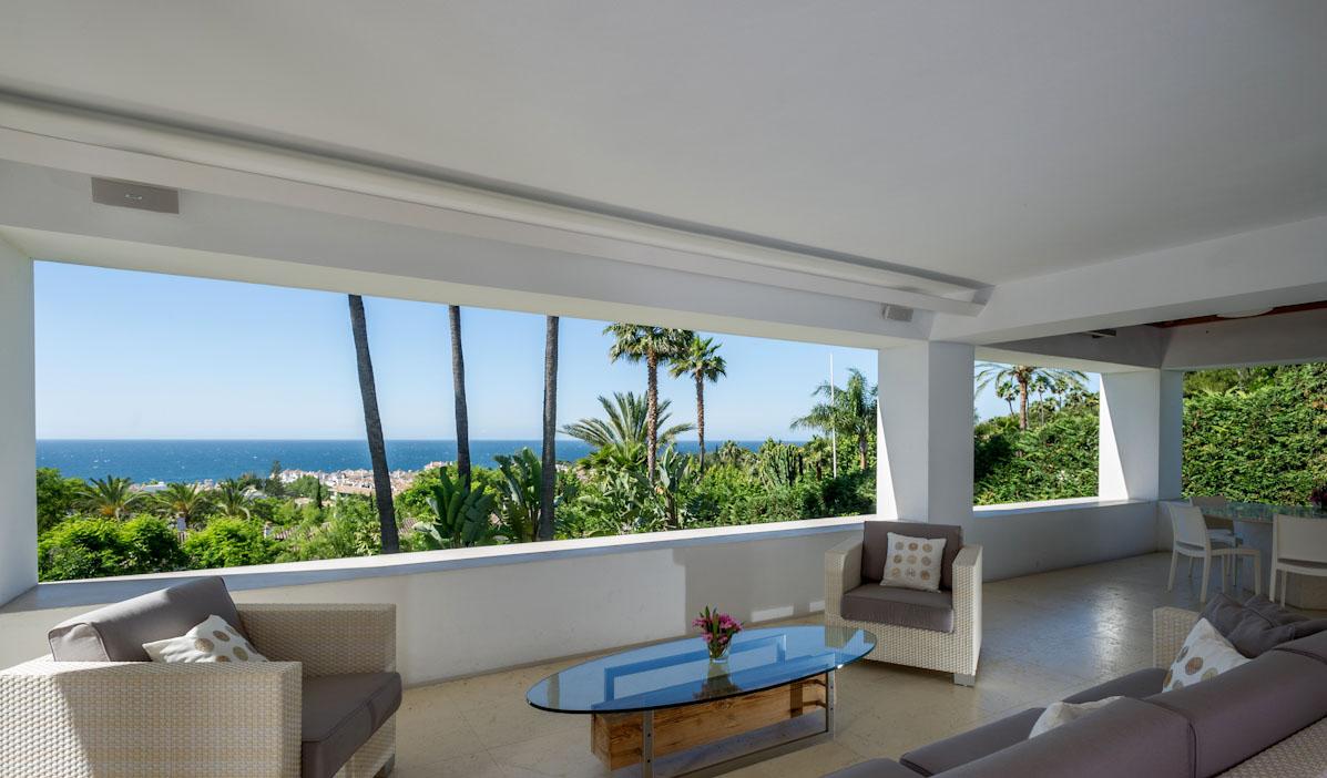 Stunning Contemporary Villa in Golden Mile