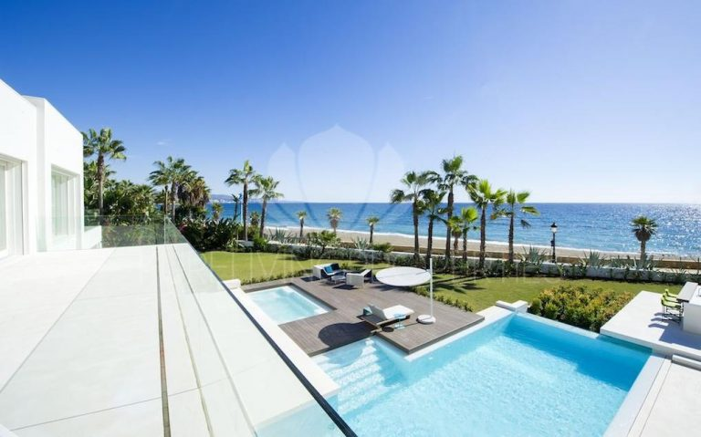 Let us help you buy a beautiful new home in Marbella